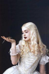 Alice in Wonderland - Anne Hathaway